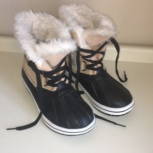 NEW!! Duck Boots w Fur Lining